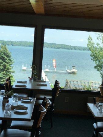 Deerhead Lakeside Restaurant & Bar: Love the new docks