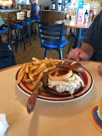 Deerhead Lakeside Restaurant & Bar: photo0.jpg