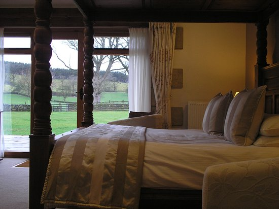 Bell Busk, UK: Ribblesdale Room with 4 poster bed