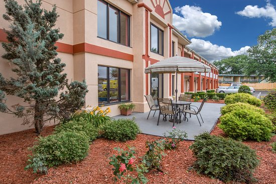 Travelodge Grand Rapids Updated 2017 Prices Amp Hotel
