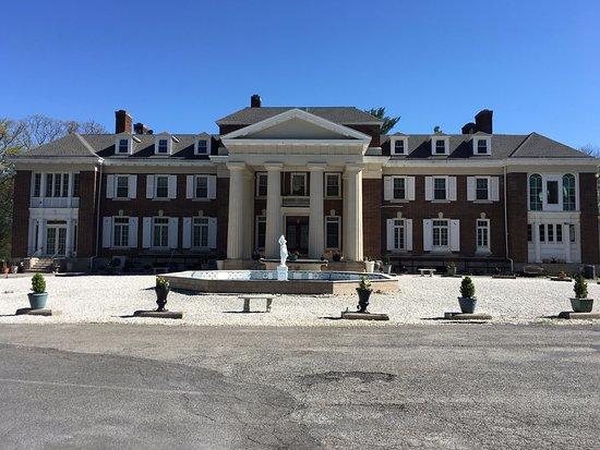 คาร์ไลอัล, เพนซิลเวเนีย: This is how the front of the building looked when we visited.