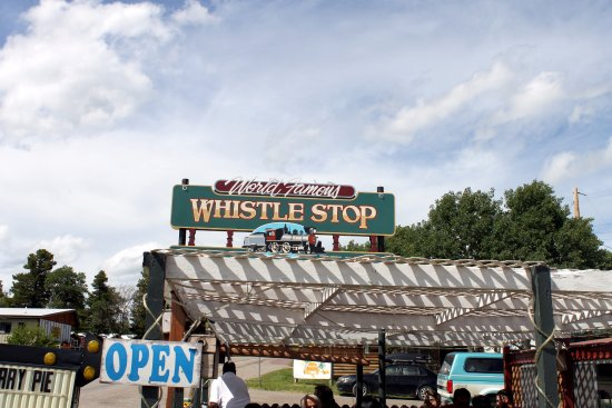 The Whistle Stop Restaurant: Pergola that makes dining outside pleasant