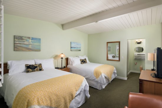 Crown City Inn: Room with two Double beds