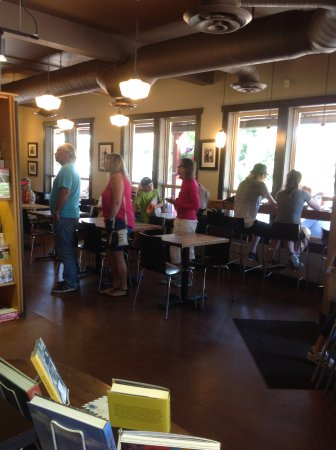 Wendel's Bookstore & Cafe: People lined up for food!