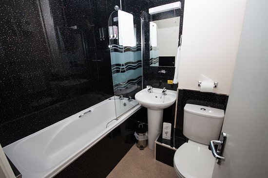 The Fox Inn: Bathroom Room 3