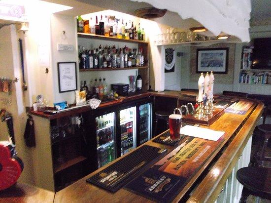 Hilmarton, UK: Bar