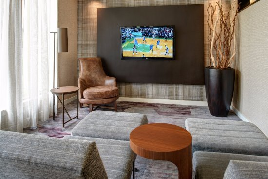 Courtyard by Marriott Chicago Oakbrook Terrace: Entertainment Area
