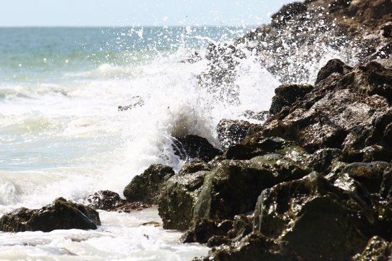 Gasparilla Island State Park: Waves crashing