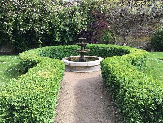 Sunbury Park Walled Garden, Sunbury UK