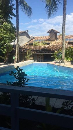 Hotel Estalagem: Vista da piscina do apartamento no primeiro andar.