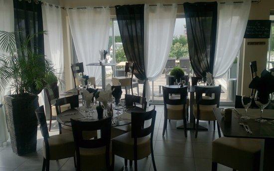 La table de cana perpignan restaurant avis num ro de for Hotel perpignan avec piscine