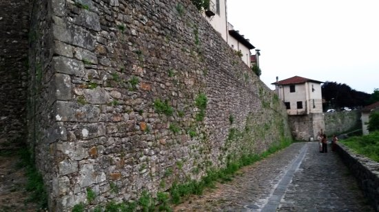 Fivizzano, Włochy: Mura di cinta della città