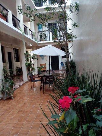 Hotel San Martin: patio