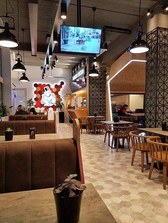 Meram burger amsterdam slotermeerlaan 109 restaurant for Meram restaurant amsterdam