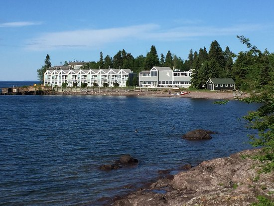 Tofte, MN: Our unit from the Coho Cafe lake walk