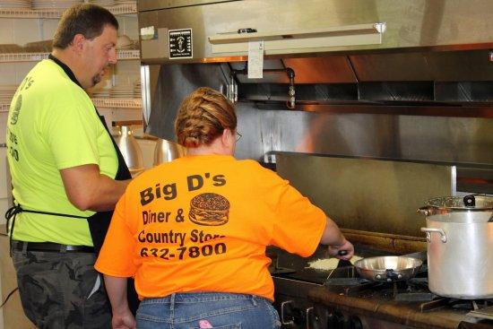Taylorsville, North Carolina: Big D is hard at work