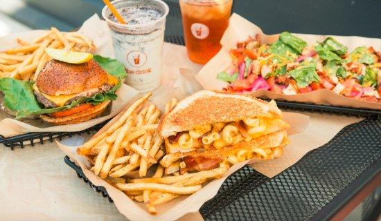 The Melt Berkeley: Original Burger, Mac Daddy and Cobb Salad