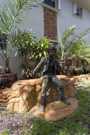 Richard's Motel Studios : Alex, mascot of Richard's Motel, a tourist who left left his VACATION! Attend le reste des touri