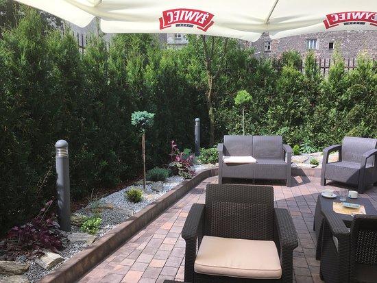 Hotel Columbus: garden area