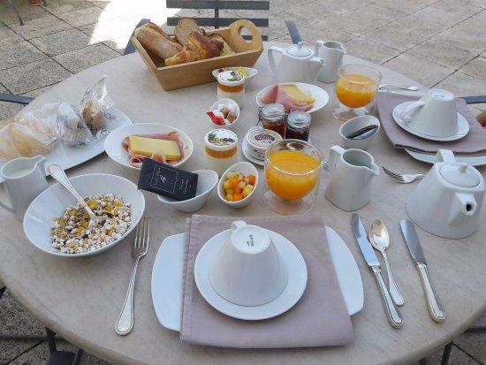 Mas de l'Oulivie: Petits-déjeuners (sans gluten et classique)