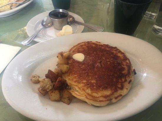 Warner, NH: Pancake