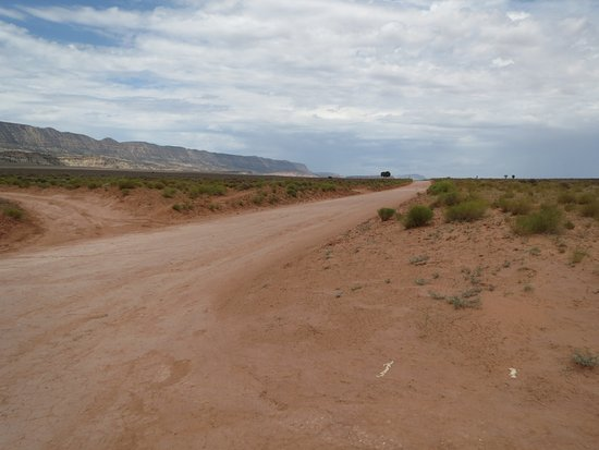 Hole In The Rock Road: the long, open, desert road