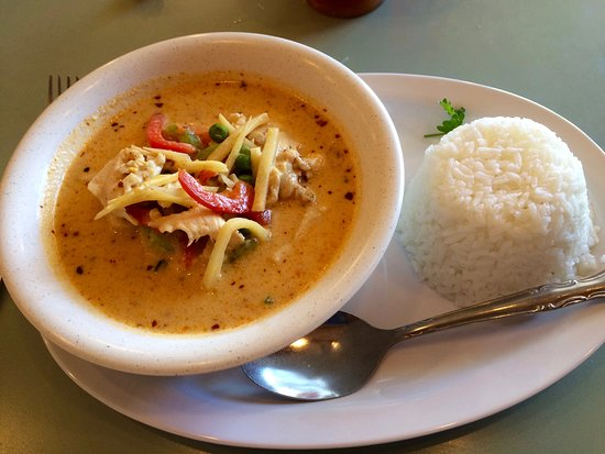 Little Thai Kitchen: Red Curry