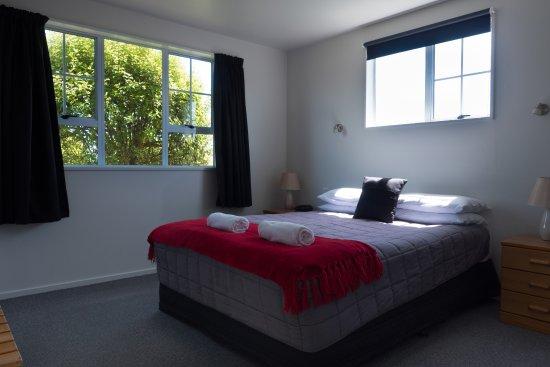 Fitzherbert Court Motel: Bedroom - 2 bedroom suite