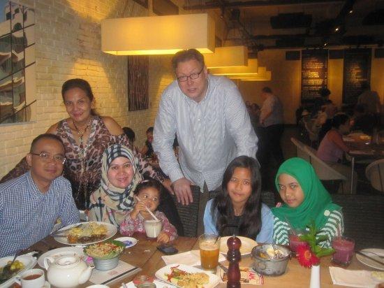 Koi Kemang: More family
