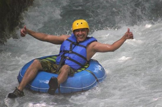 Watertubing en Hot Springs Adventure ...
