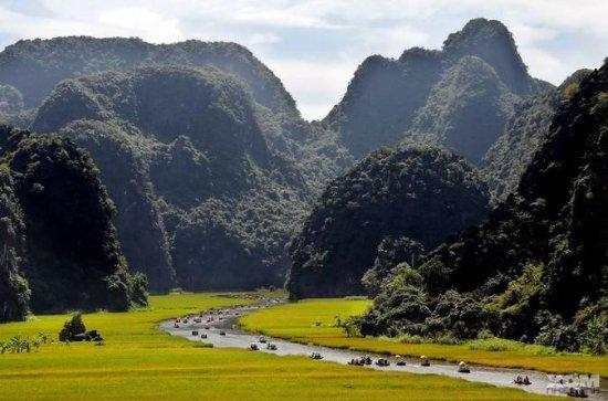 Hanoi: Private Full-Day Eco Tour to Hoa...