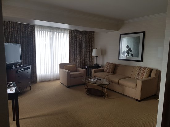 Four Seasons Hotel Vancouver: 20170603_143136_large.jpg