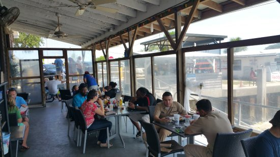 Atlantic Beach, FL: outside seating on south side