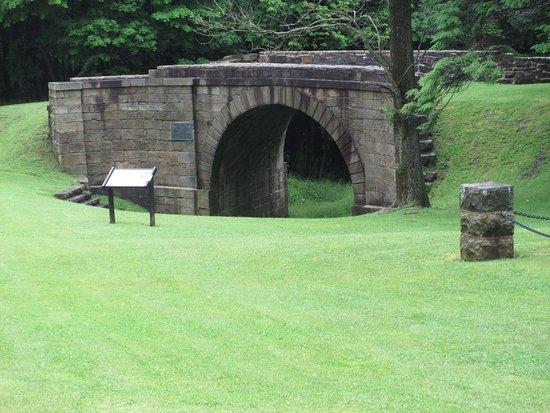 Cresson, Πενσυλβάνια: Skew Arch Bridge