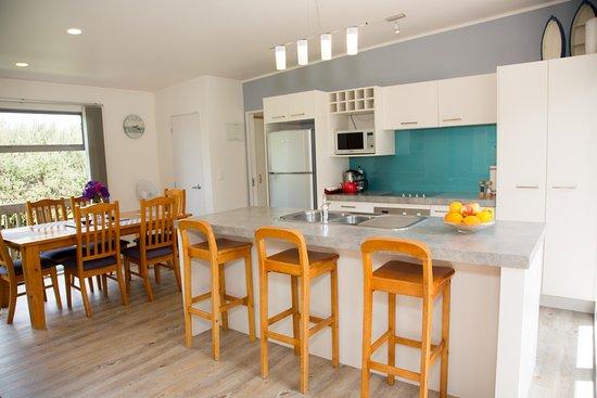 Tatahi lodge motel updated 2017 prices reviews hahei new zealand tripadvisor for Villa moderne motel