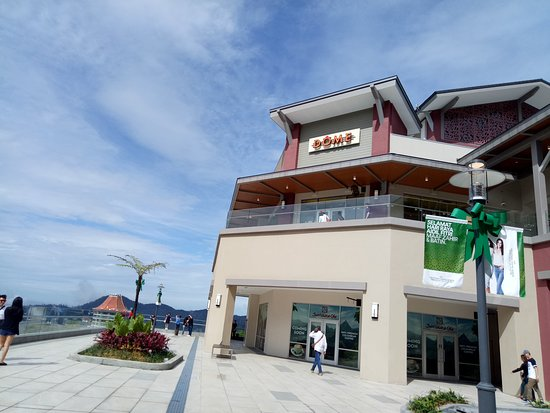 Genting Highlands, Malaysia: First Premium Outlet at Hilltop