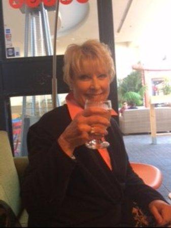 Tustin, Californië: Cheers to you!