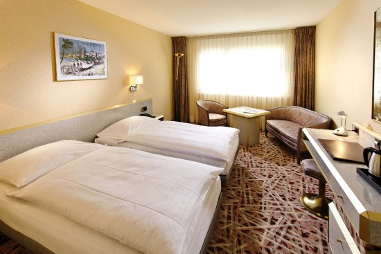 Chambre simple ou double - Picture of Au Parc Hotel Fribourg ...