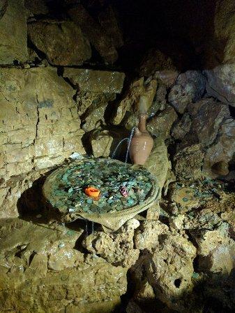 Lebanon: Ain Wazein Grotto