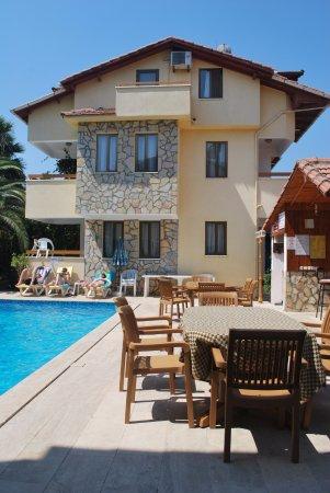 Villa Gardenia Apartments-bild