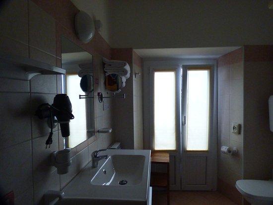 Hotel Garni Riviera : Bathroom