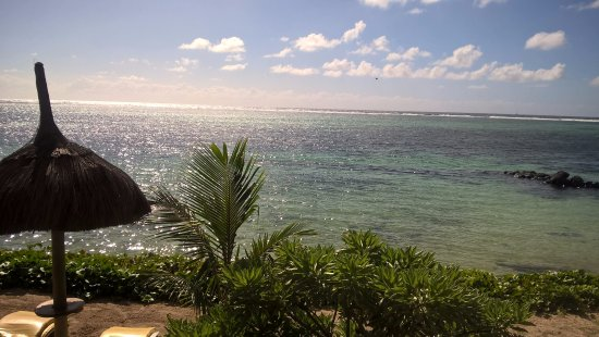 Le Surcouf Hotel & Spa: View of the beach.