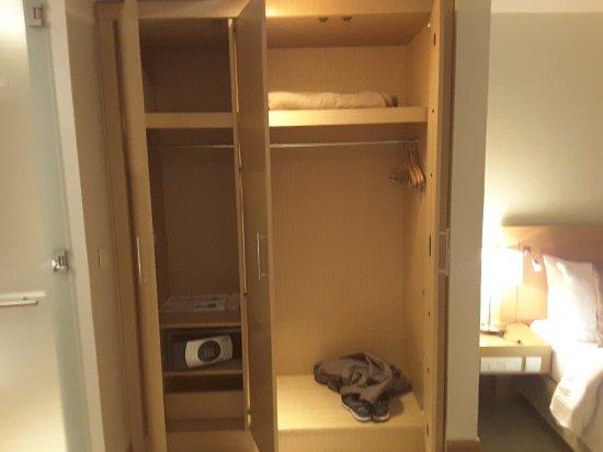Radisson Blu Anchorage Hotel, Lagos: Good storage