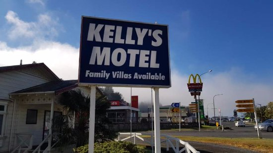 Kelly's Motel : motel entrance