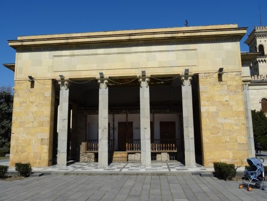 Stalin Museum : mauzoleum  ... domu stalina