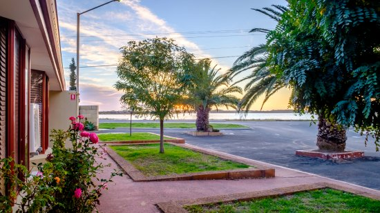 2BR Motel Unit with Water Views - Picture of Australind