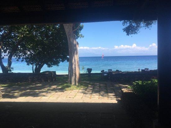 Amanwana: Beautiful Ocean View from the restaurant