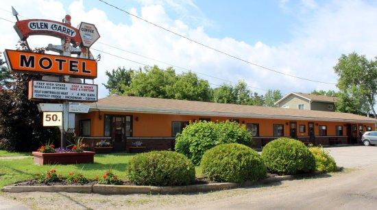 Glen Garry Motel & Cottages: The Motel