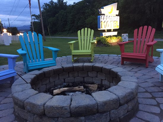 Carolina Motel: The fire pit.