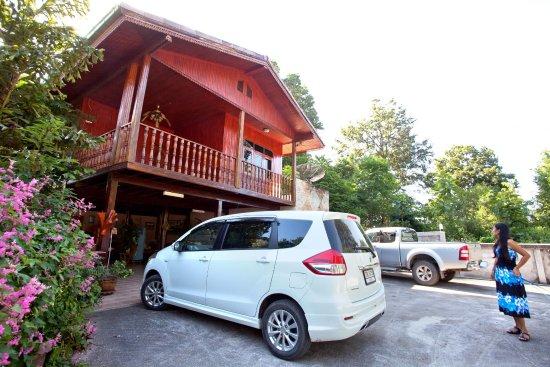 STC Homestay Bed & Breakfast: parking